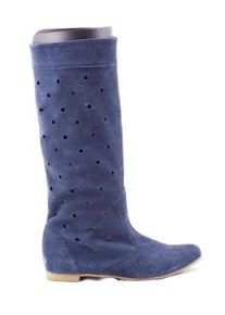 Cizme dama albastru inchis ,de vara, din piele intoarsa naturala perforata, cu talpa comfortabila.